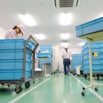 梱包・アッセンブリ作業は全てクリーンルーム内で作業し、異物混入を防ぎます。