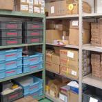 出荷とオーダーが伴う定期的な作業が必要な場合等は、当社でお預かりした資材を使って作業を進めることも可能です。詳しくはお問い合わせください。